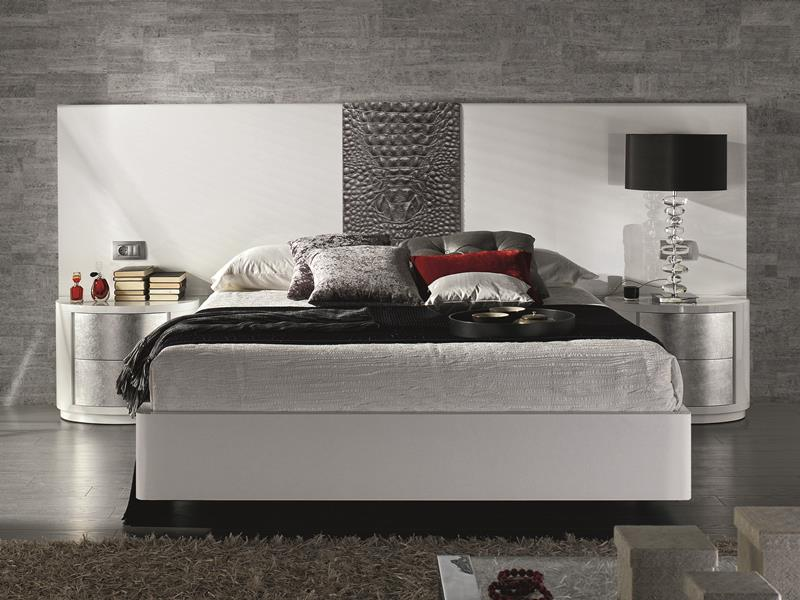 chambre en laqu blanc ou noir partie centrale de la t te de lit tapiss e en cuir fa ades. Black Bedroom Furniture Sets. Home Design Ideas