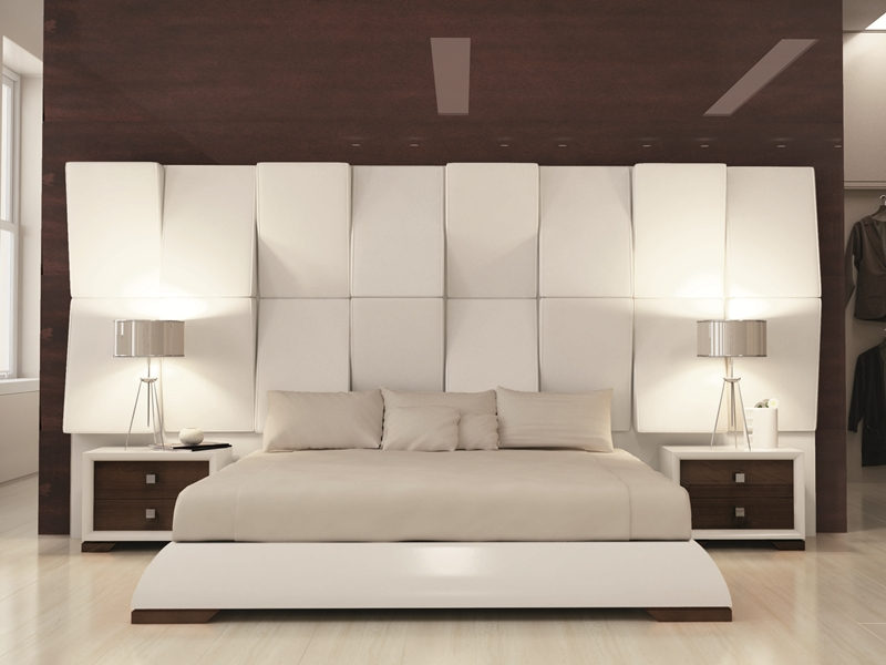 chambre laqu e blanc 120 et teinte 309 haute brillance avec la t te de lit tapiss e en tissu. Black Bedroom Furniture Sets. Home Design Ideas
