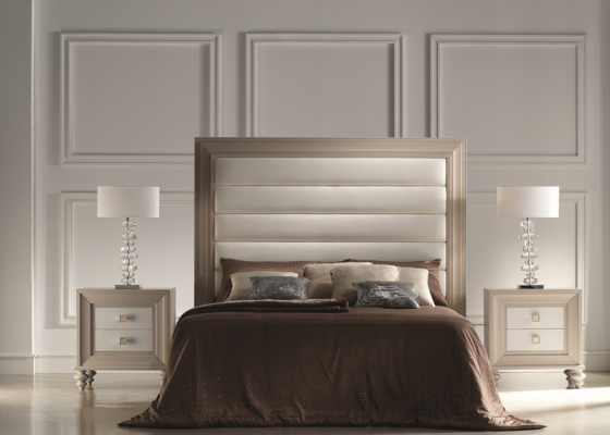Lacquered bedroom with upholstered headboard. Mod. PASION20