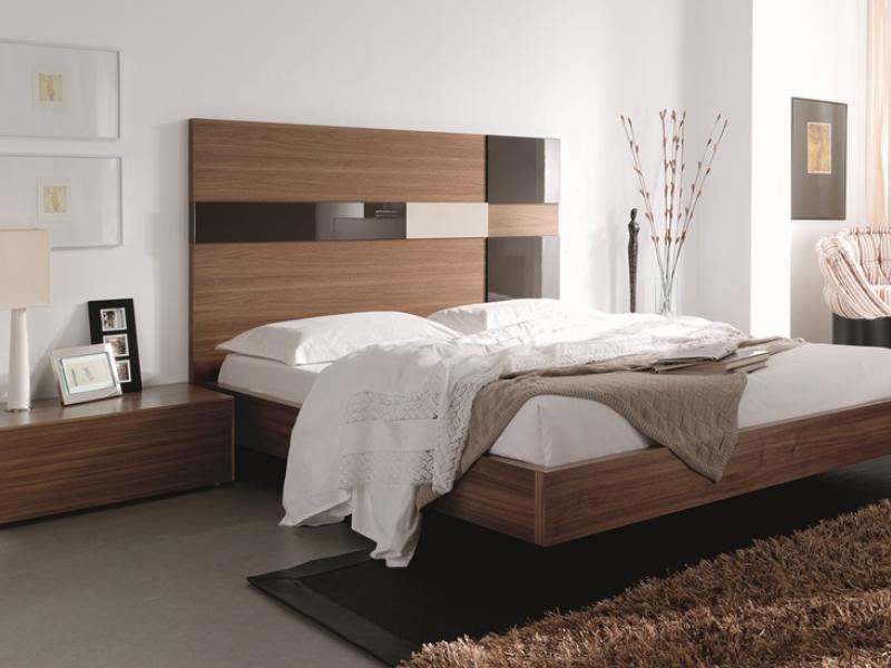 chambre en noyer am ricain et t te de lit en panneaux avec d tails en laque brillante mod cuadros. Black Bedroom Furniture Sets. Home Design Ideas