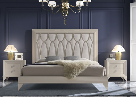 Lacquered bedroom with upholstered heaboard. Mod. GA20