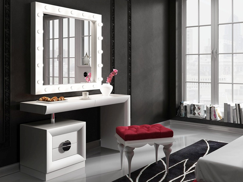 Set of vanity table, mirror and bench. Mod. STAR