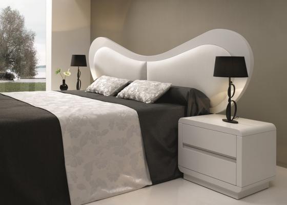Bedroom with upholstered headboard. Mod. SCARLETT