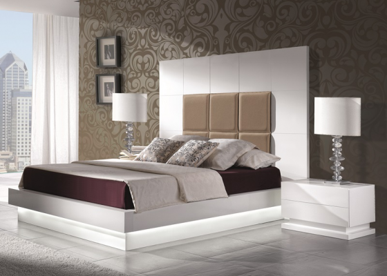 Lacquered and upholstered bedroom. Mod: TAMARA