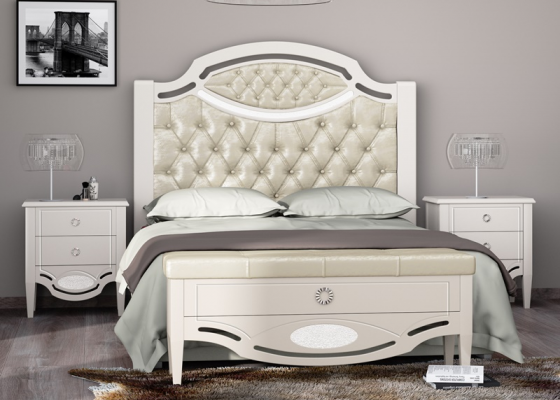 Lacquered bedroom with upholstered central part and padded with buttons.,Mod: SUITE CAPITONNE