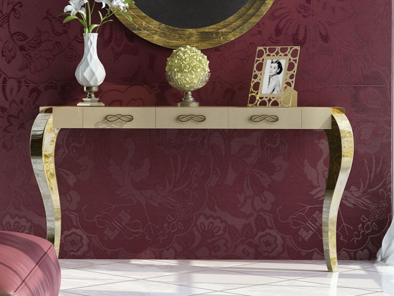 Set of lacquered console with chippendale legs and round mirror. Mod: SOCIET�