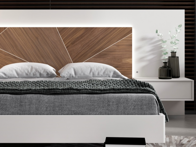 Bedroom with oak wood panel, lacquered panel and led lighting.Mod: SILVAIN