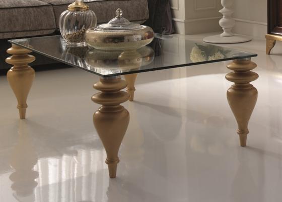 Table basse rectangulaire avec plateau en verre et pieds for Table en verre pied en bois