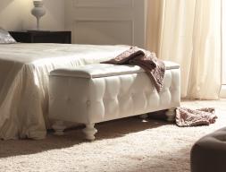 Upholstered bench. Mod. GA9207