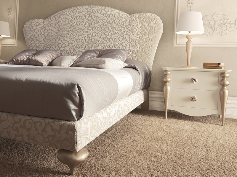 Curved plain upholstered headboard.Mod.PA9430