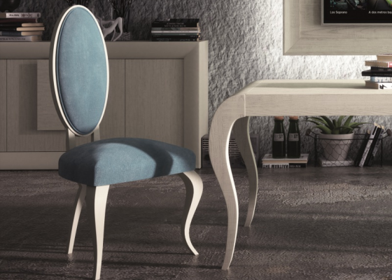 Set of 2 upholstered andlacquered chairs . Mod: MESINA