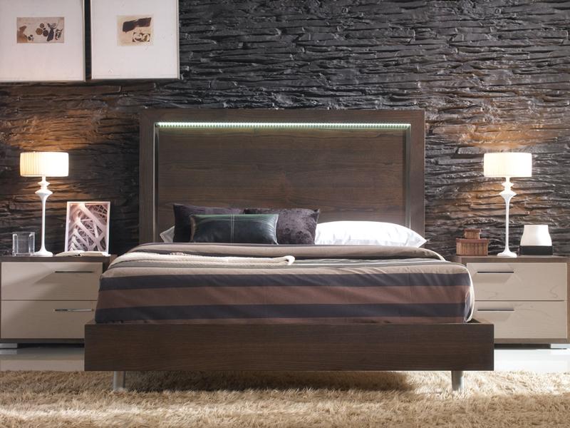 contour de lit avec pieds m talliques mod vg 1. Black Bedroom Furniture Sets. Home Design Ideas