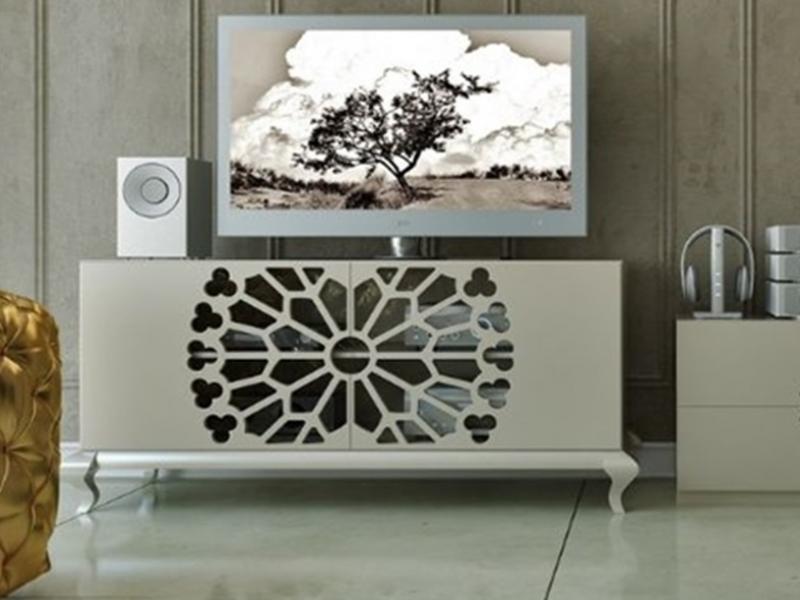 meuble tv en finition laque et portes avec motif ajour et pieds chippendale mod klc60083. Black Bedroom Furniture Sets. Home Design Ideas