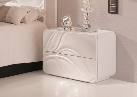 2 lacquered bedside tables with 2 drawers. Mod. HOJAS 261H