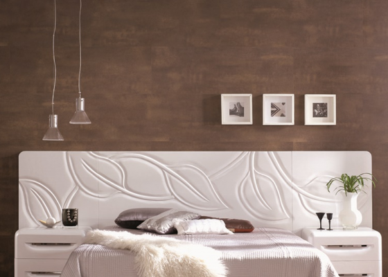 Low and wide lacquered headboard. Mod. HOJAS234