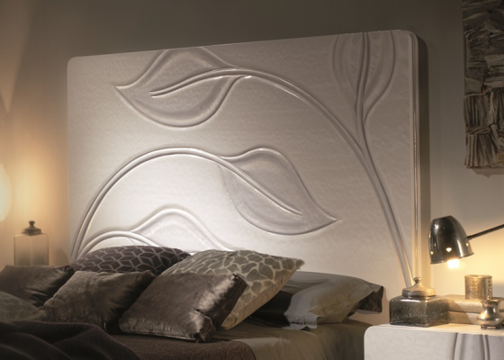 Lacquered headboard. Mod. HOJAS 238 H DFM