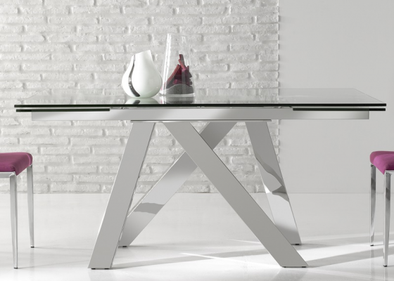 Extendable dining table. Mod. TANIA