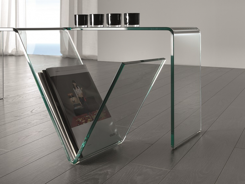 Low table in transparent tempered glass. Mod. MACBETH