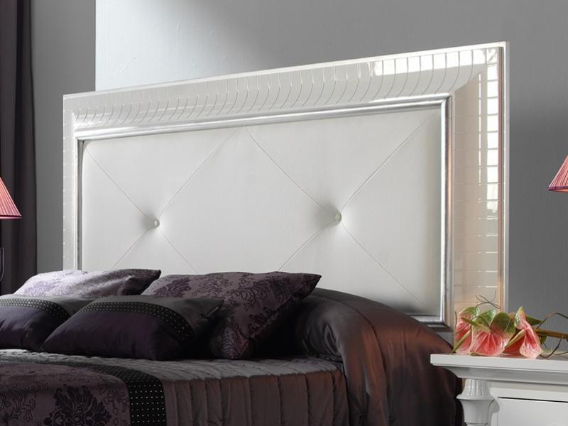 t te de lit laqu e blanc avec moulure en haute brillance avec d coration en feuille d 39 argent et. Black Bedroom Furniture Sets. Home Design Ideas