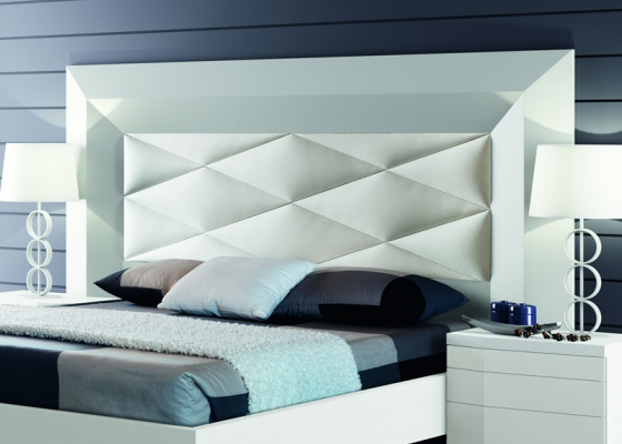 Lacquered and upholstered headboard. Mod. GORDON BLANCO
