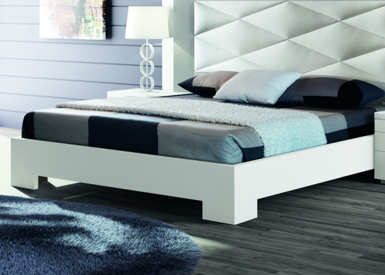 Lacquered bed frame. Mod. GORDON BLANCO