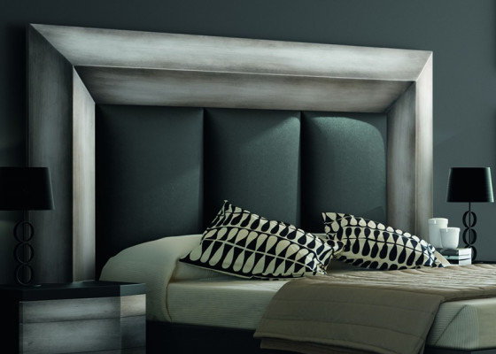 Lacquered and upholstered headboard. Mod. GORDON PLATA
