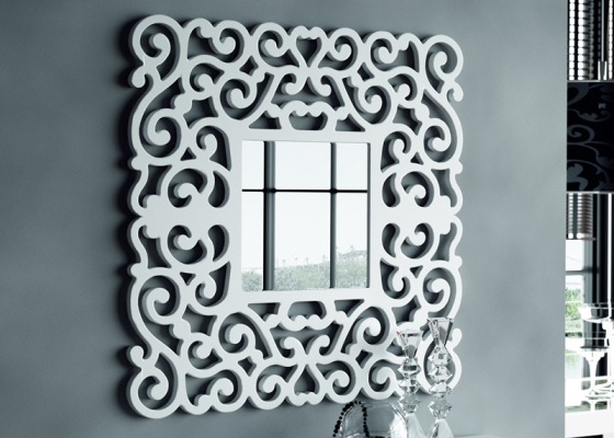 Lacquered and openwork mirror. Mod. SANDRA