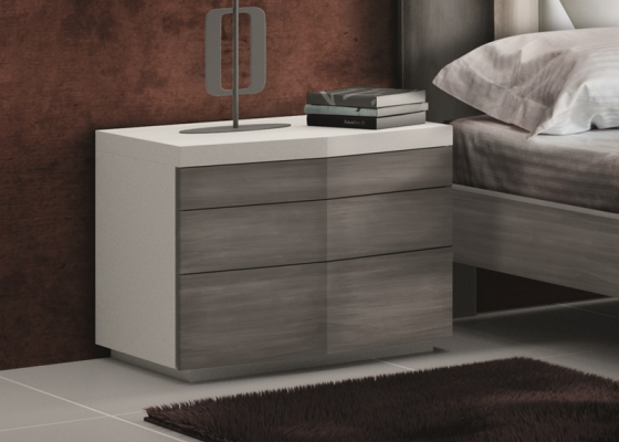 3 drawers bedside table finished in 2 colors. Mod. GORDON BLANCO/ PLATA