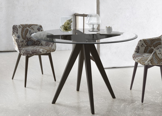 Round dining table with beveled glass top. Mod. NINO R