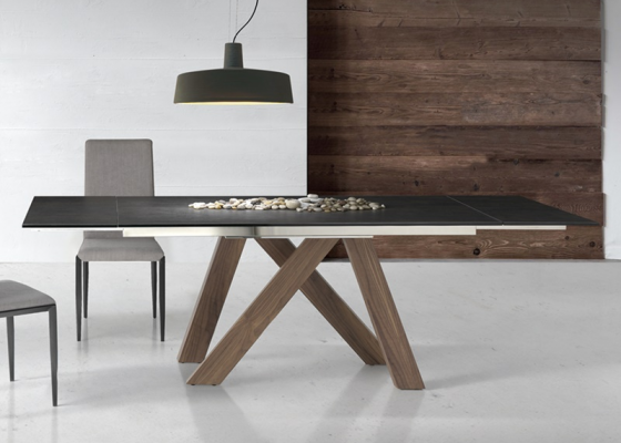 Extendable dining table . Mod. TANIA WOOD