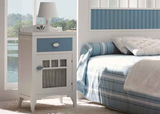 Child bedside table with drawer and door. Mod. MERLIN 8005