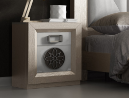 Bedside table with 1 door and  1 drawer. Mod. ENZO48829PL