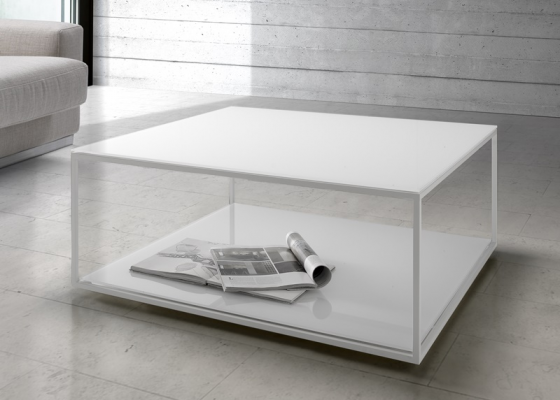 Low coffee table with lacquered steel structure and wood or glass top. Mod. AMINA