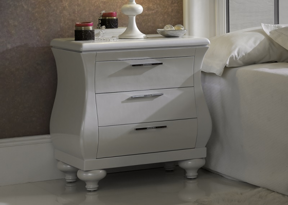 Lacquered bedside tables with 3 drawers. Mod. LOIRA