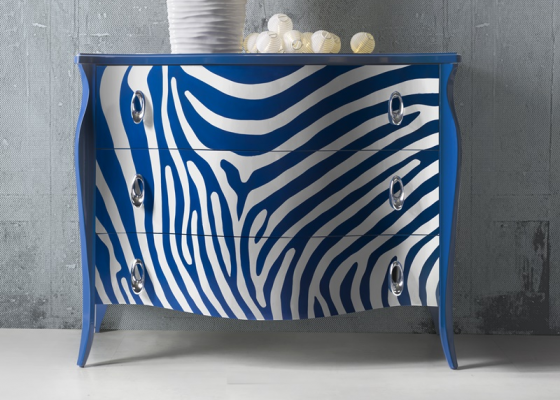 Lacquered chest of drawers. Mod. ZEBRA