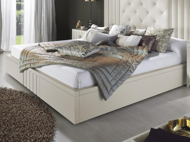 Bed frame. Mod : LOYRA