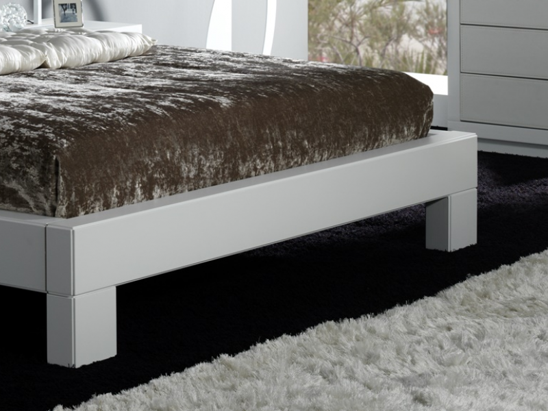Complete bed. Mod. CASSANDRA BLANCO