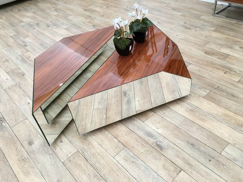 Low coffee table. Mod. INFINITTI
