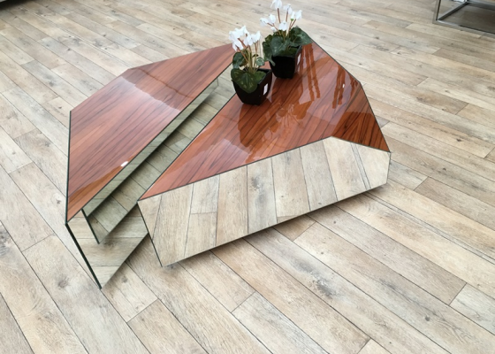 Low coffee table. Mod. INFINITTI