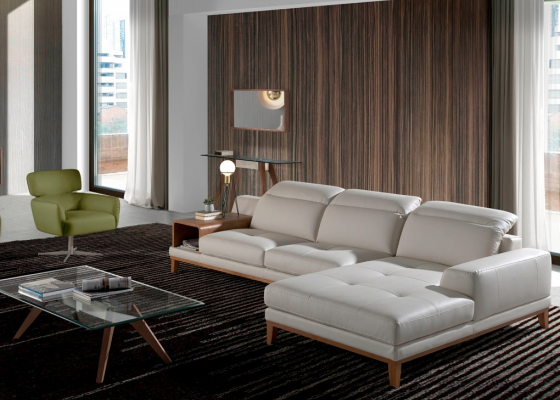Leather sofa with chaise longue. Mod. STELLA-R
