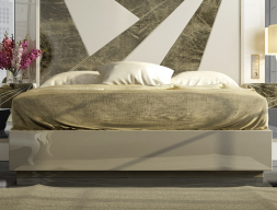 Lacquered frame bed. Mod: LUXURY