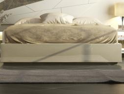 Lacquered frame bed. Mod: GOYA