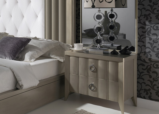 Lacquered bedside tables - set of 2 units with rear frame in mirror. Mod: VIENA MIRROR