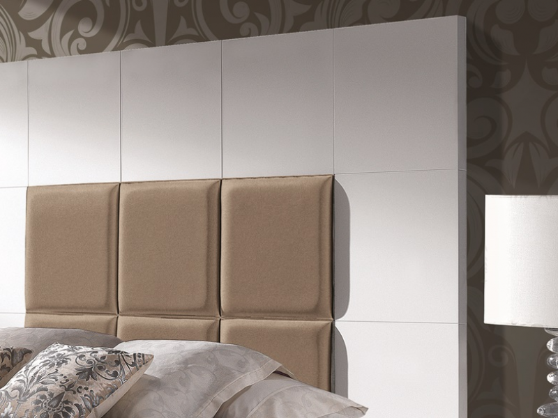 Lacquered and upholstered headboard. Mod. TAMARA