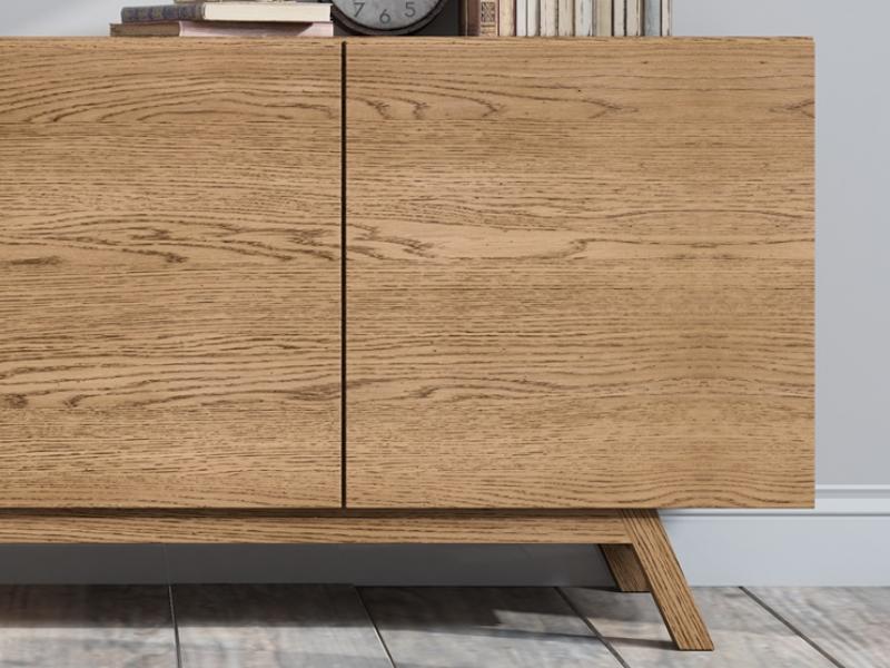 Oak sideboard with doors. Mod. OAK