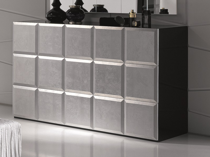 Lacquered chest of drawers . Mod. NATASSIA