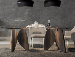 Oval fixed table with glass top. Mod. OSLO