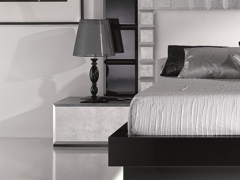 Lacquered bedside tables  with drawer. Mod: NATASSIA BLACK