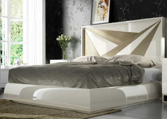 Complete lacquered bed. Mod. HELENNA
