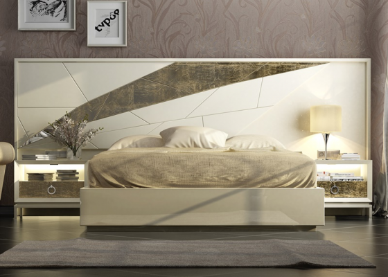Complete lacquered bed. Mod. GOYA
